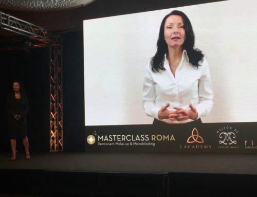 Presentazione di Simona Casadei al Congresso Masterclass di Trucco Permanente e Microblading a Roma del 30-6-2018